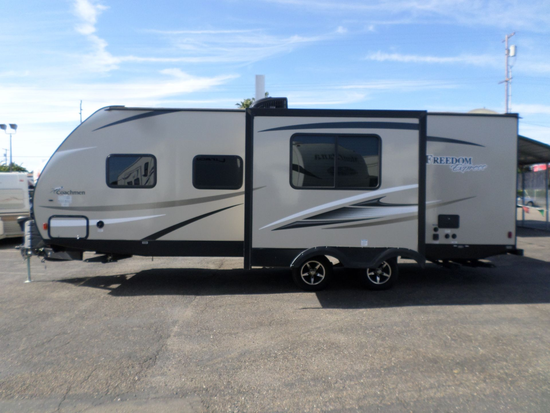 Rv For Sale 2017 Coachmen Freedom Express 248rbs 30 In Lodi Stockton Ca Rv For Sale Used Rv For Sale Used Trucks For Sale