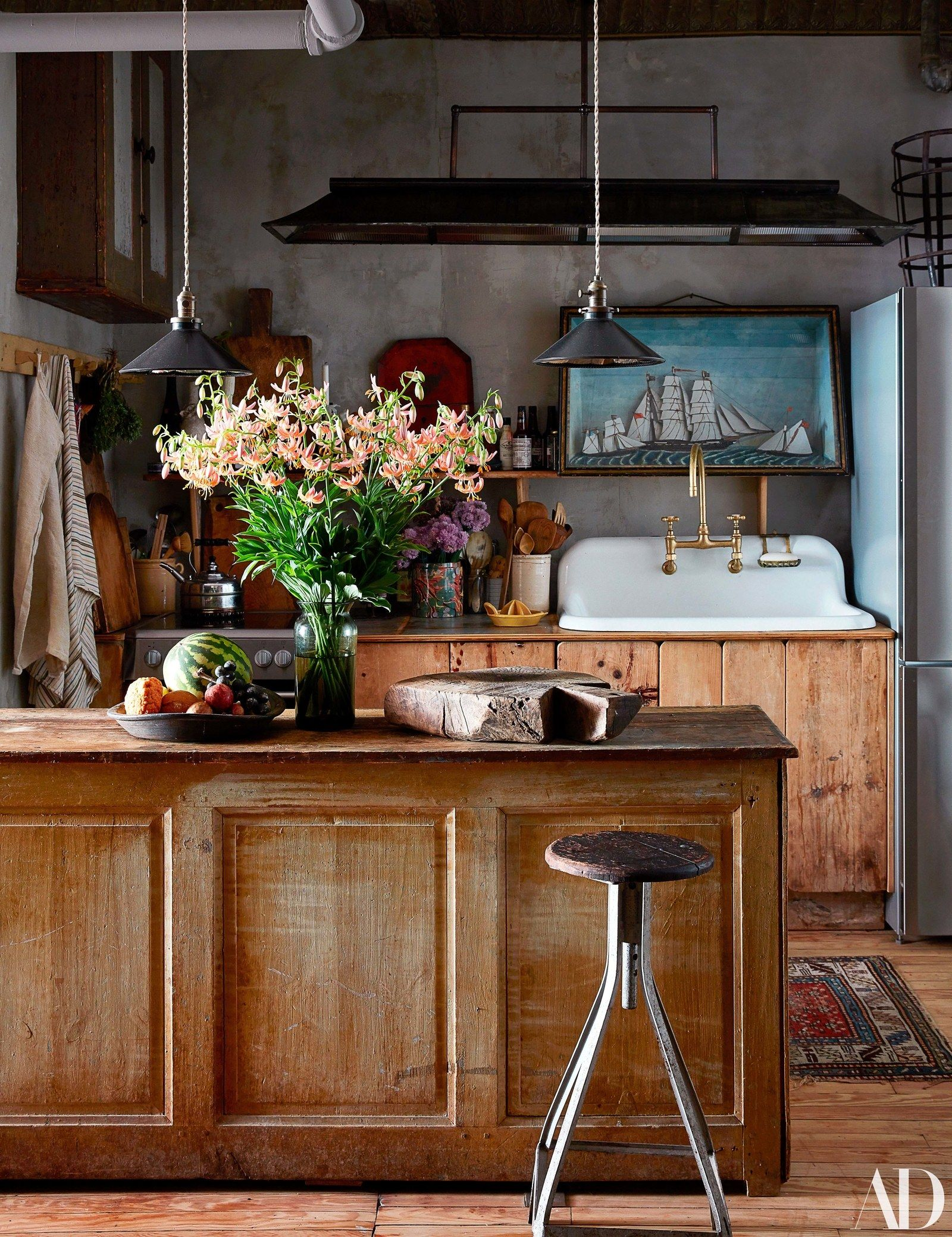 John derian   new york city abode is as charming and eclectic his beloved shops for home room living also rh pinterest