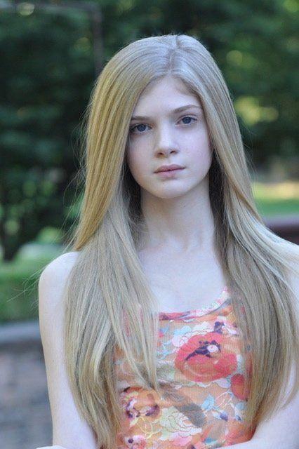 elena kampouris age