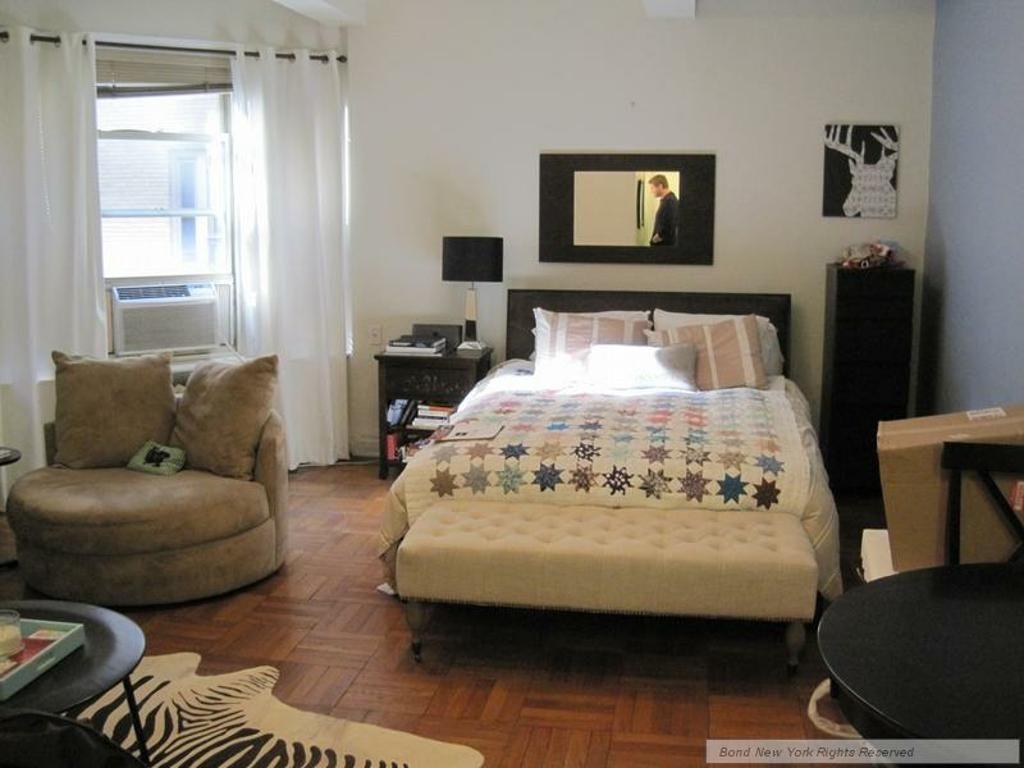 studio apartment decor - nice setup with the small ...