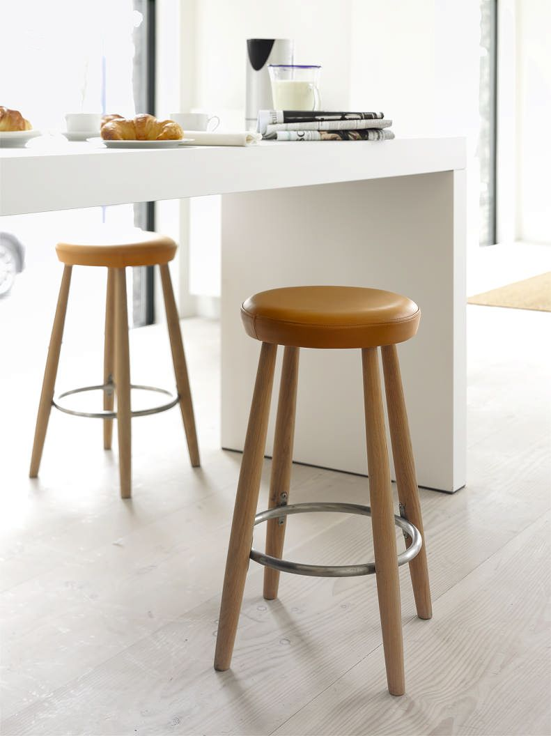 Upholstered Kitchen Bar Stools Uk Gorgeous Carl Hansen Stools In A Bulthaup Kitchen Home Home Bar 991 10