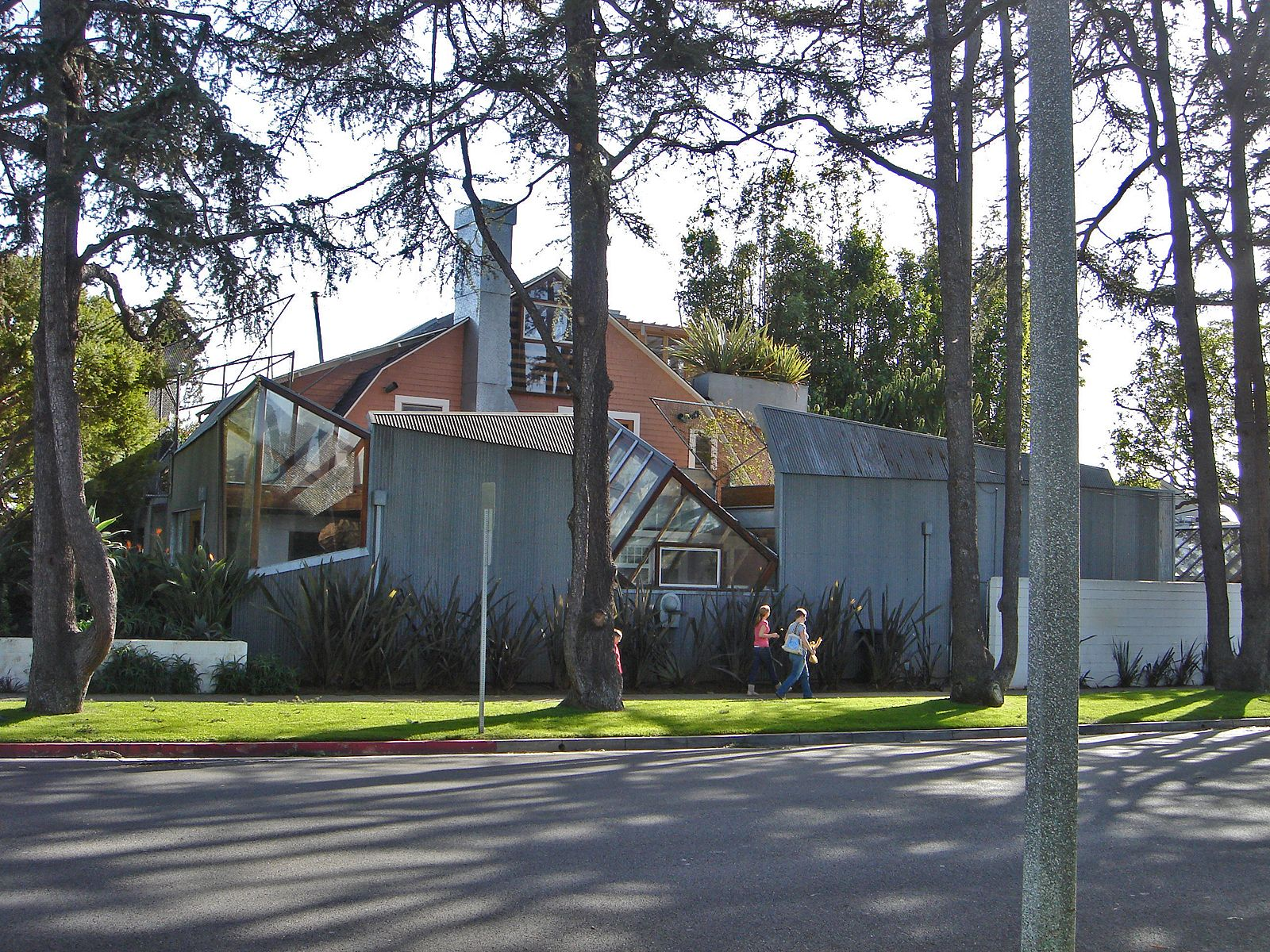 Ad classic norton house frank gehry archdaily - 7 Buildings That Defined Frank Gehry S Legacy Gehry Residence Santa Monica California 1978