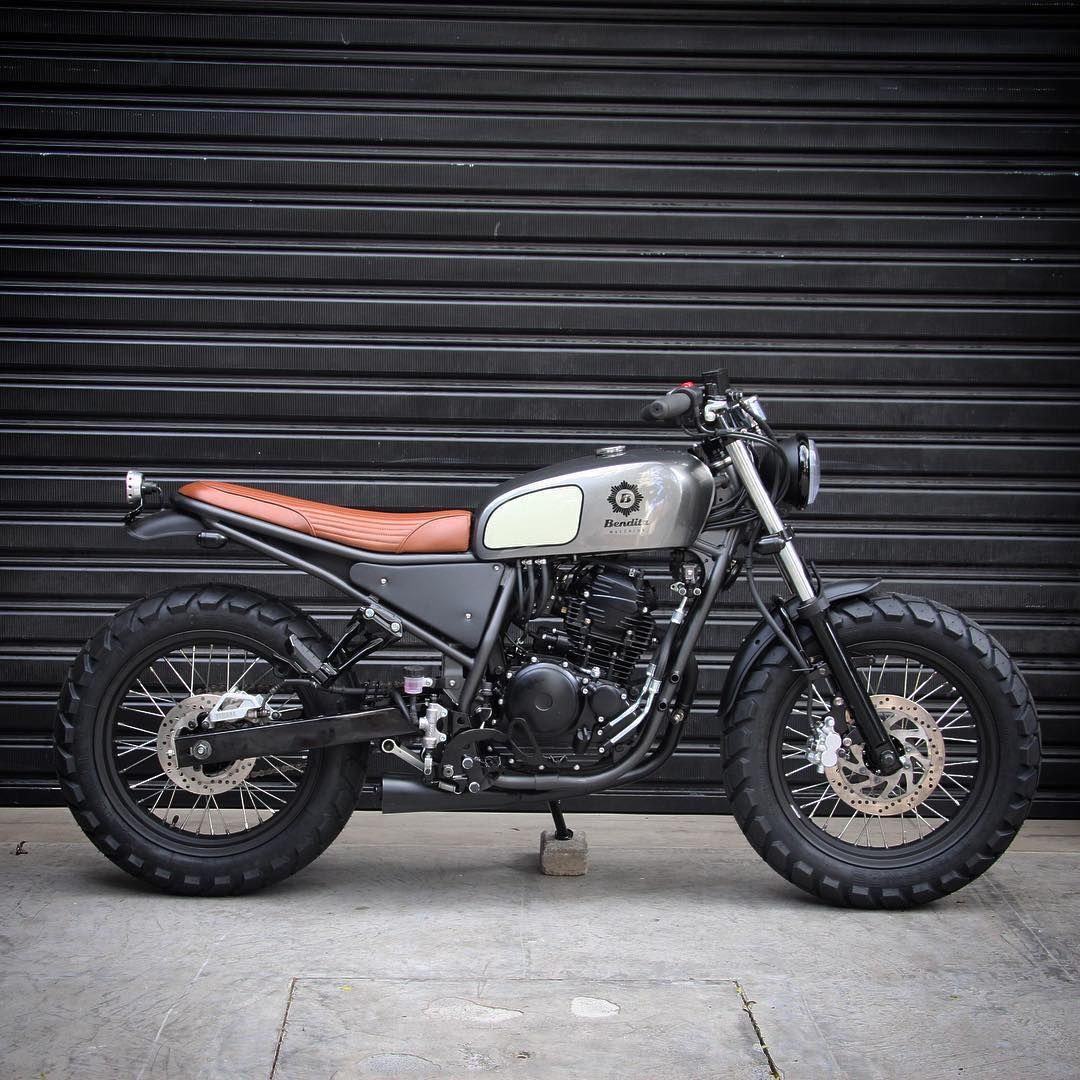 Bendita Macchina On Instagram Lusco Fusco Yamaha Fazer 250cc 0km Tracker Motorcycle Yamaha Cafe Racer Cafe Racer Bikes