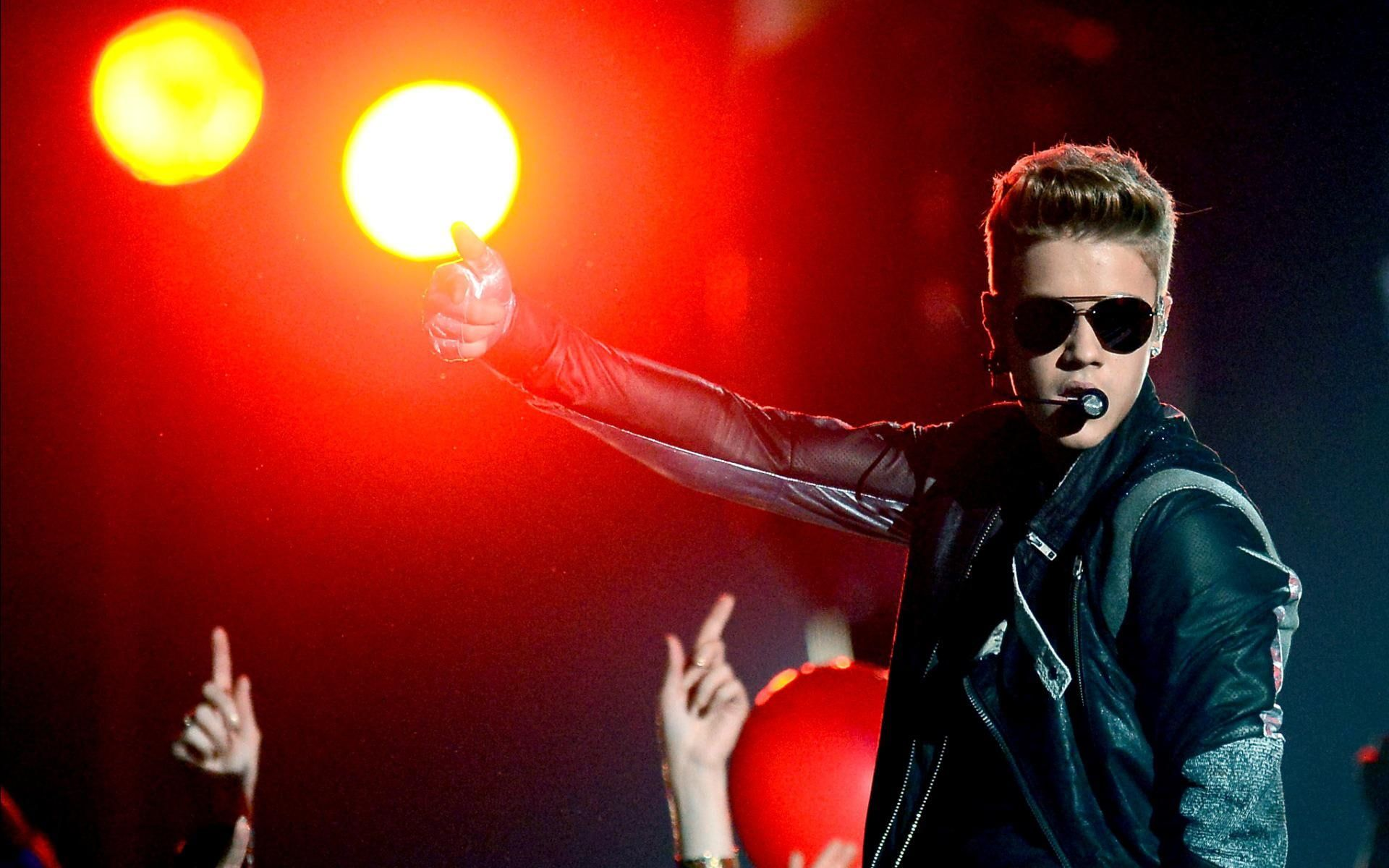 Justin Bieber On Stage Justin Bieber Celebrity Celebrities Actress Single Boys 1080p W In 2020 Justin Bieber Pictures Justin Bieber Wallpaper Justin Bieber News