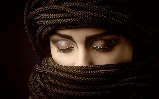 Обои Девушка с закрытыми глазами, с макияжем на веках, с ...