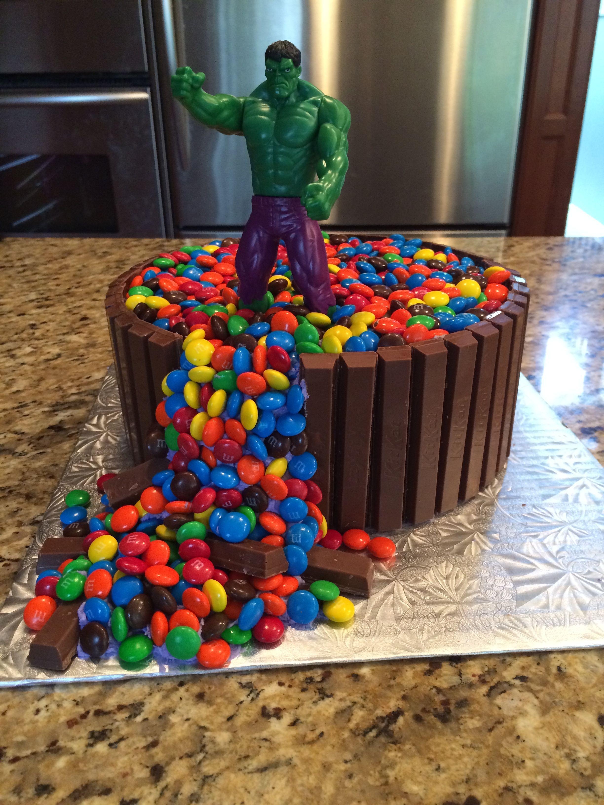 Hulk Smash Kit Kat Cake In 2019 Hulk Cakes Birthday