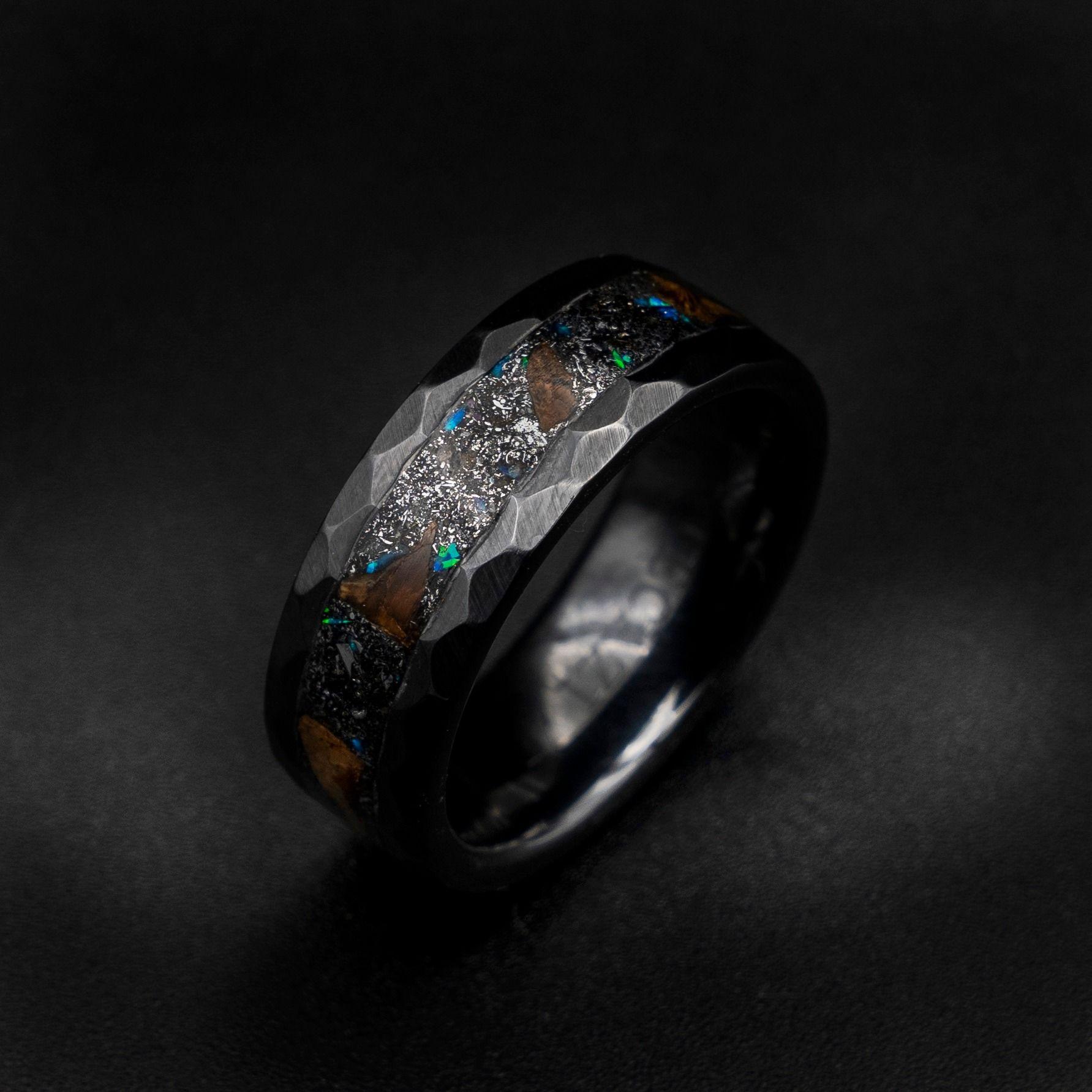 Pin van Decazi tungsten wedding rings op Dinosaur rings
