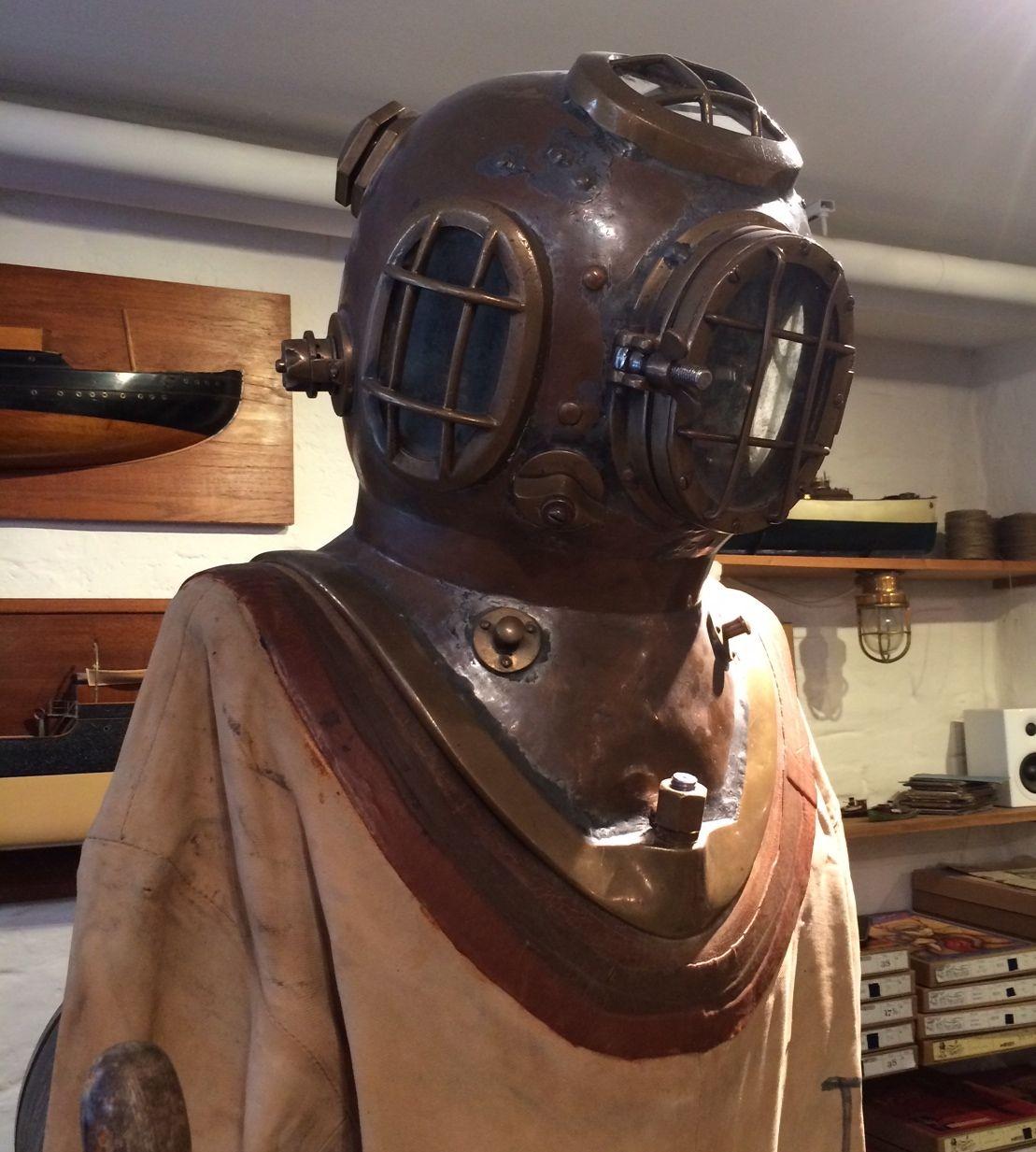 время водолазный костюм фото современный дизайн клиники городе рязань