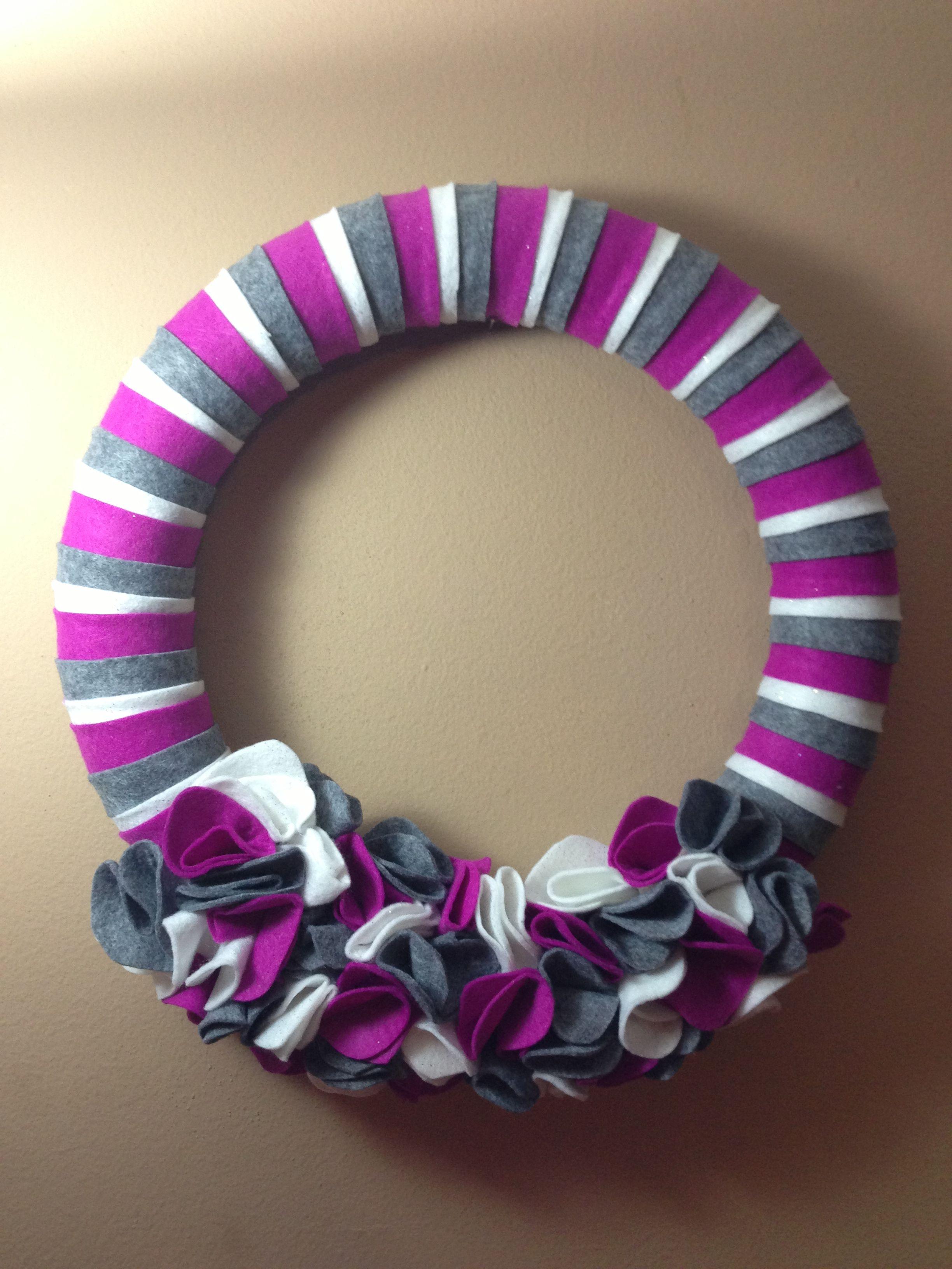 Felt Wreath, Christmas colors
