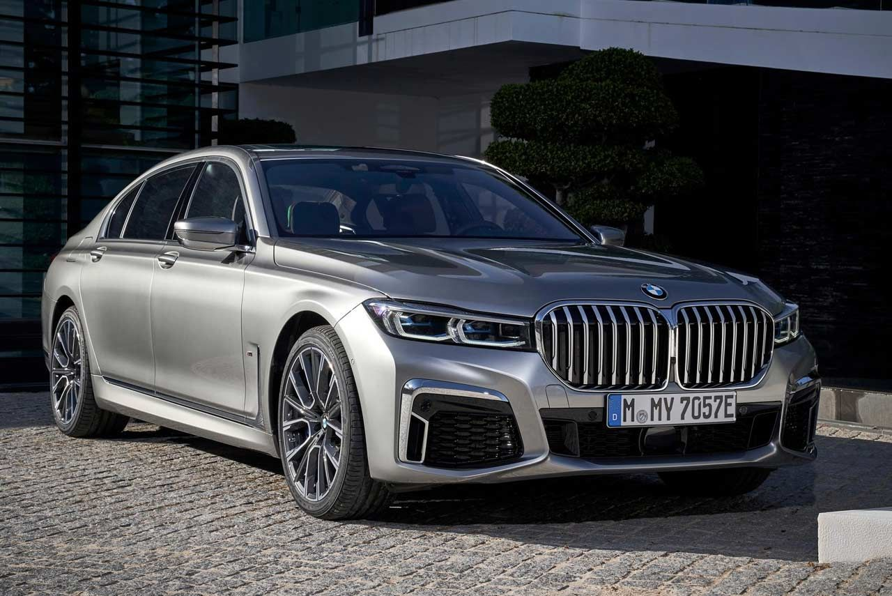 The New Bmw 7 Series Has Been Launched In India Also For The First Time In India The New Bmw 7 Series Is Available In A Plug In Hybr New Bmw Bmw Bmw 7 Series