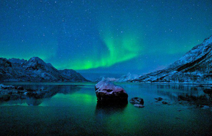 Northern lights by Mareno Leonhardsen