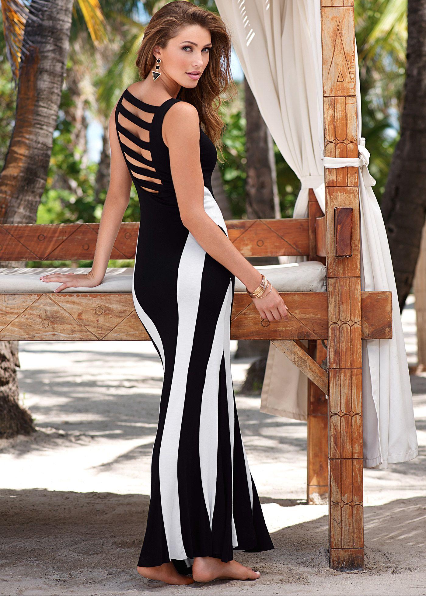 4087fe010 Vestido longo preto e branco encomendar agora na loja on-line bonprix.de R$…