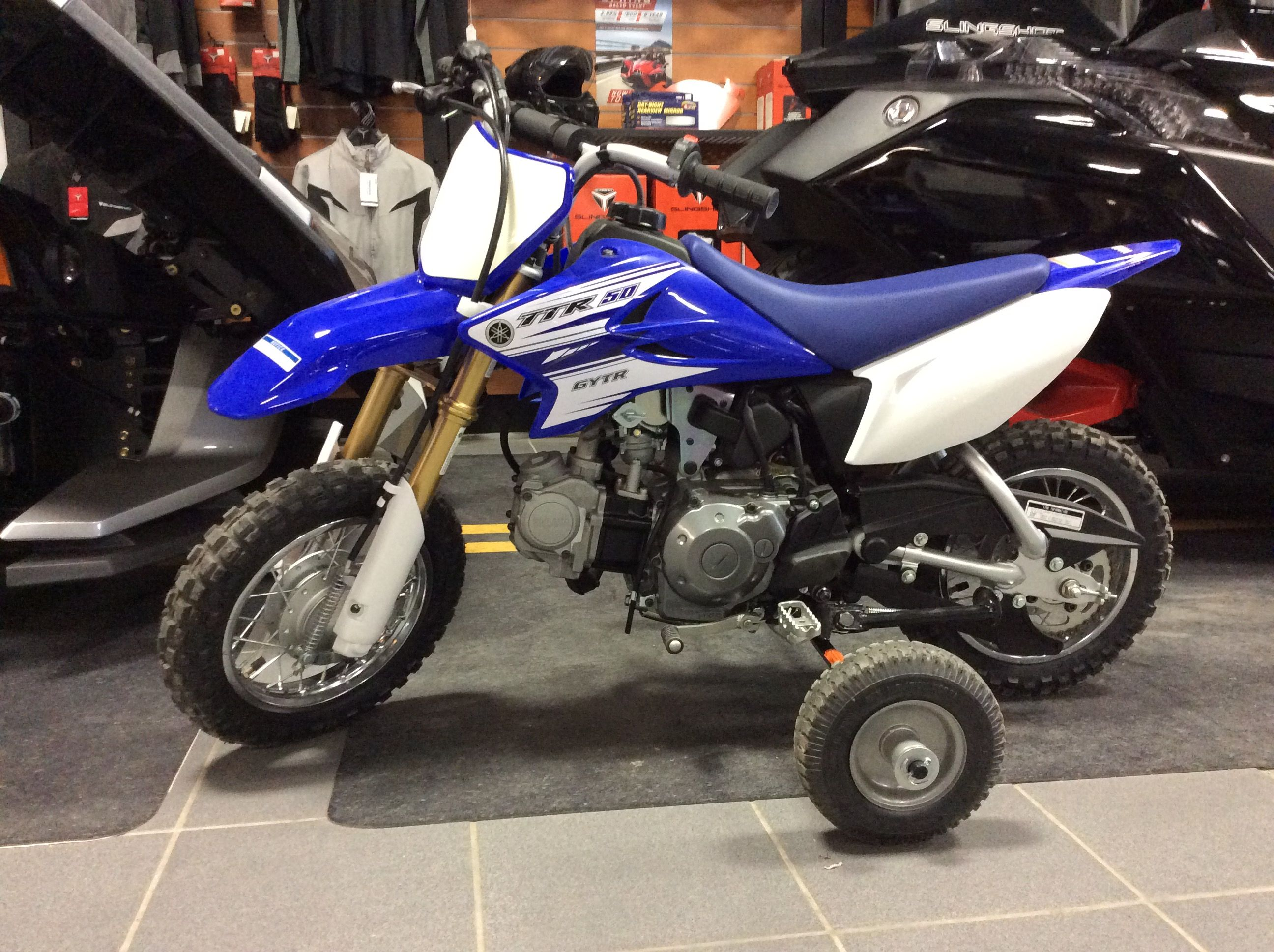 Ttr 50 With Training Wheels Yamaha Bike Dirt Bikes