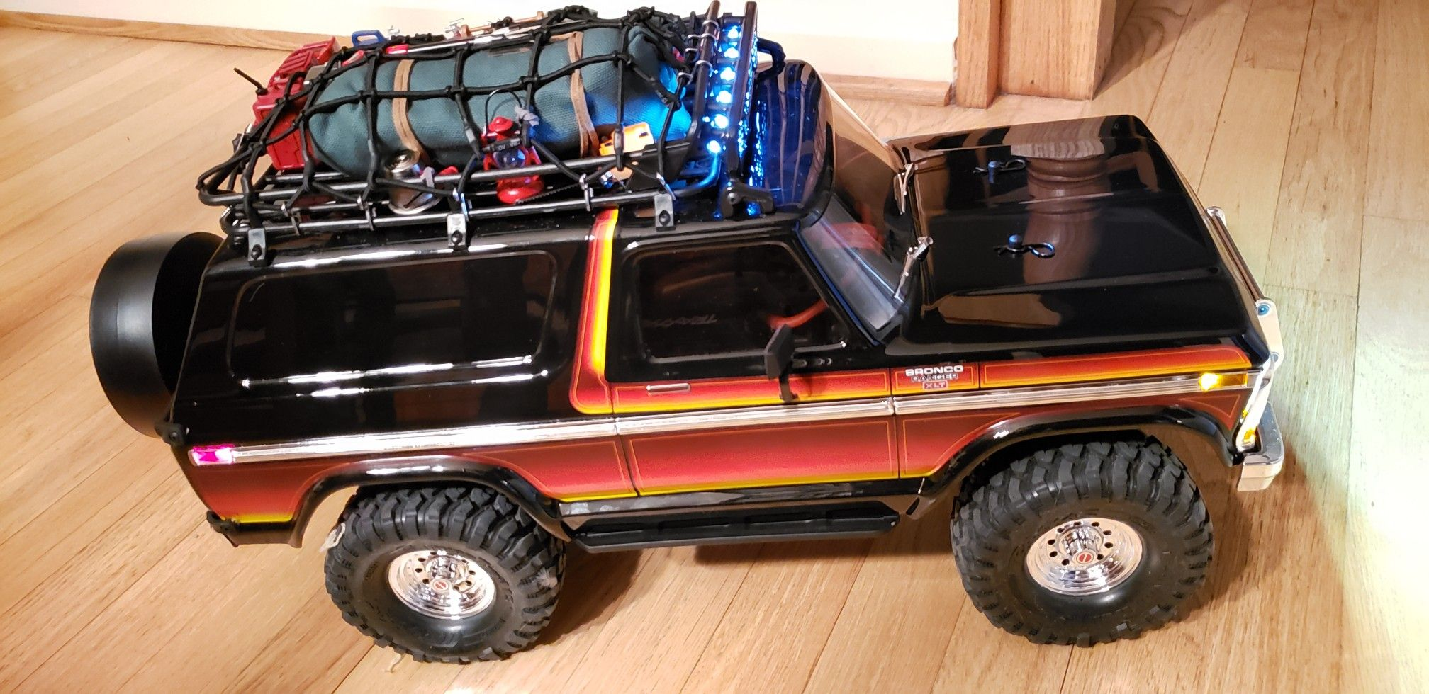 Traxxas Trx4 Ford Bronco With Roof Rack Cargo Net Roof Mount Light Bar And Many 1 10 Scale Accessories As Going Super S Ford Bronco Traxxas 1979 Ford Bronco