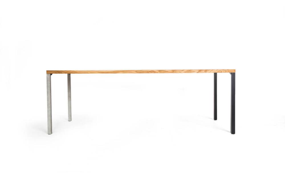 Lola Concrete Esstisch filigran | Massivholz & Beton