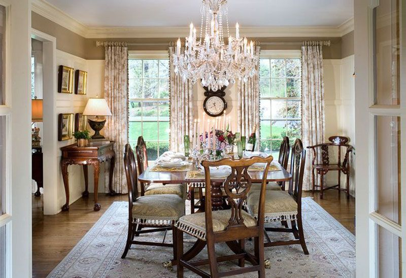 Charmant Traditional Dining Room Decor With Maria Theresa Crystal Chandelier; Dining  Room Lighting; Dining Room Design Ideas