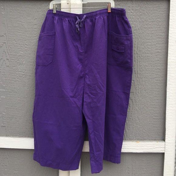 "CC Hughes Capris CC Hughes Capris. Plus size 4X. 60% cotton. 40% polyester. Made in Egypt. Machine wash. Tumble dry. Elastic waist band. Waist 40"" flat. Hips 54"" Inseam 18.5"" Leg opening 12"" CC Hughes Pants Capris"