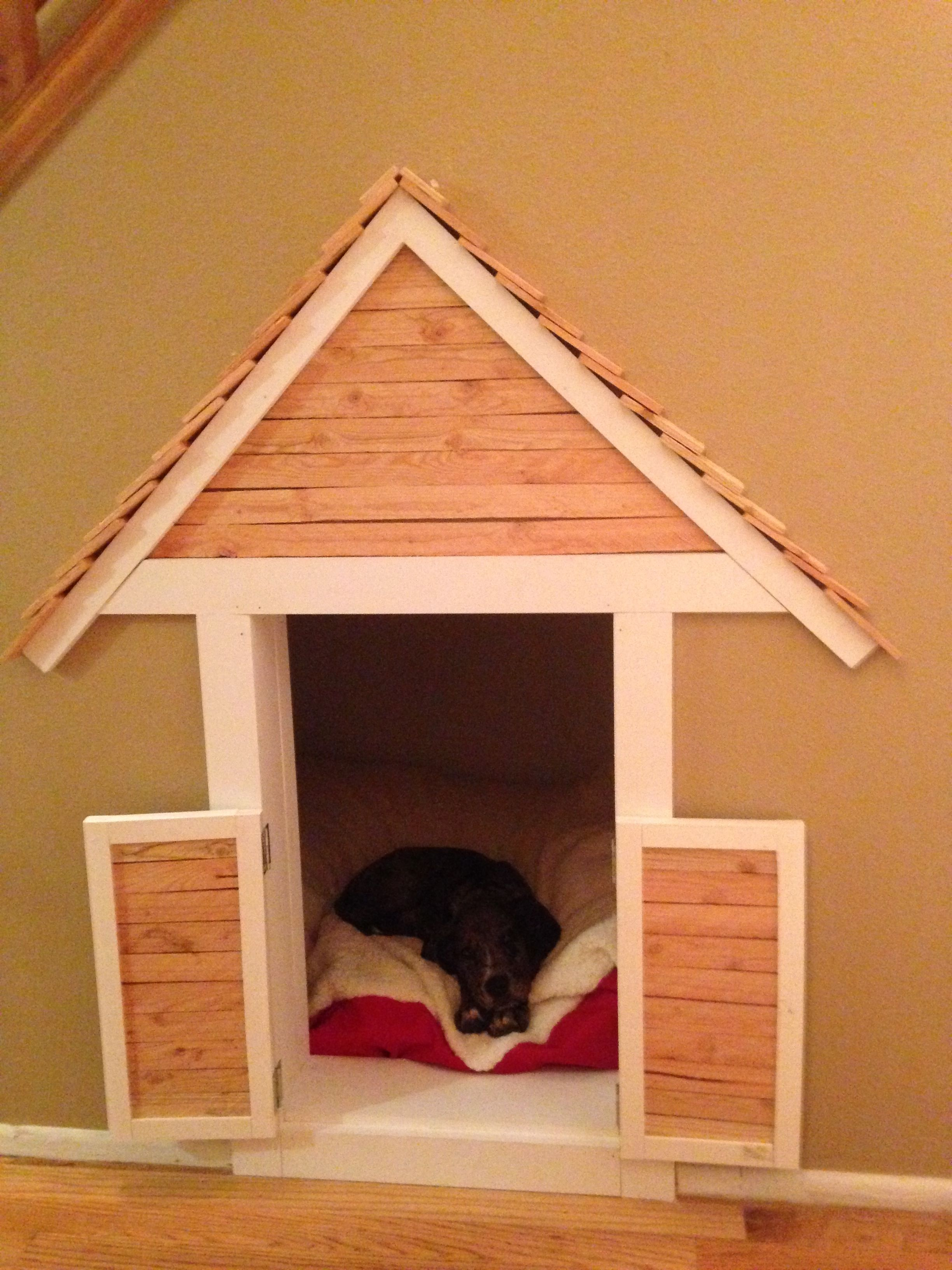 Indoor dog houses - Dog House Under The Stairs