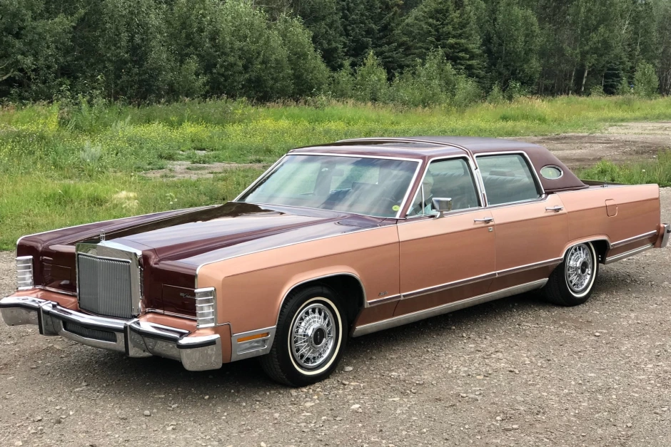 No Reserve  1979 Lincoln Continental Williamsburg Limited