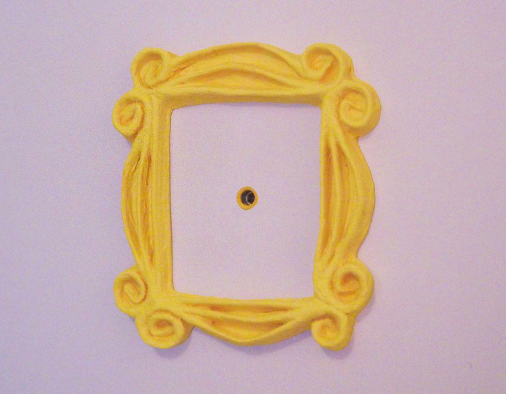 Friends Peephole Frame | Pinterest | Neue wohnung, Neuer und Deko