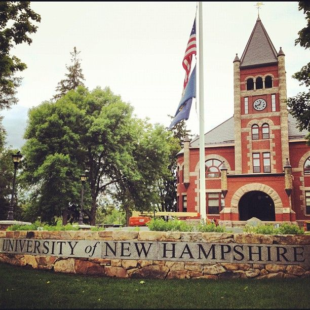 Unh Thompson Hall Lawn And Flagpole University Of New Hampshire