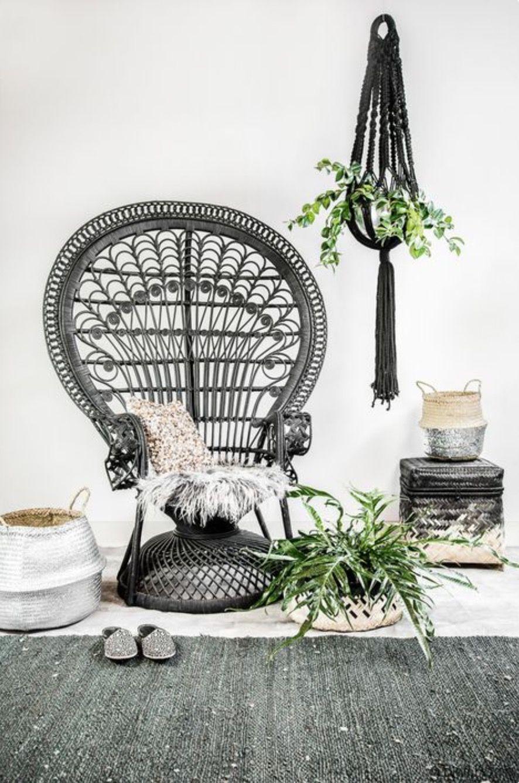Un fauteuil en rotin majestueux dans le jardin | Shreyansh ...