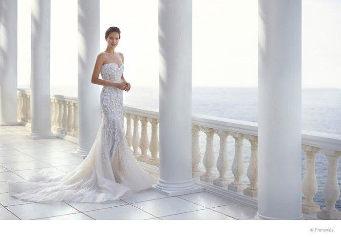 Pronovias Atelier (Vestidos de Novias): Emily Di Donato (Modelo - USA).
