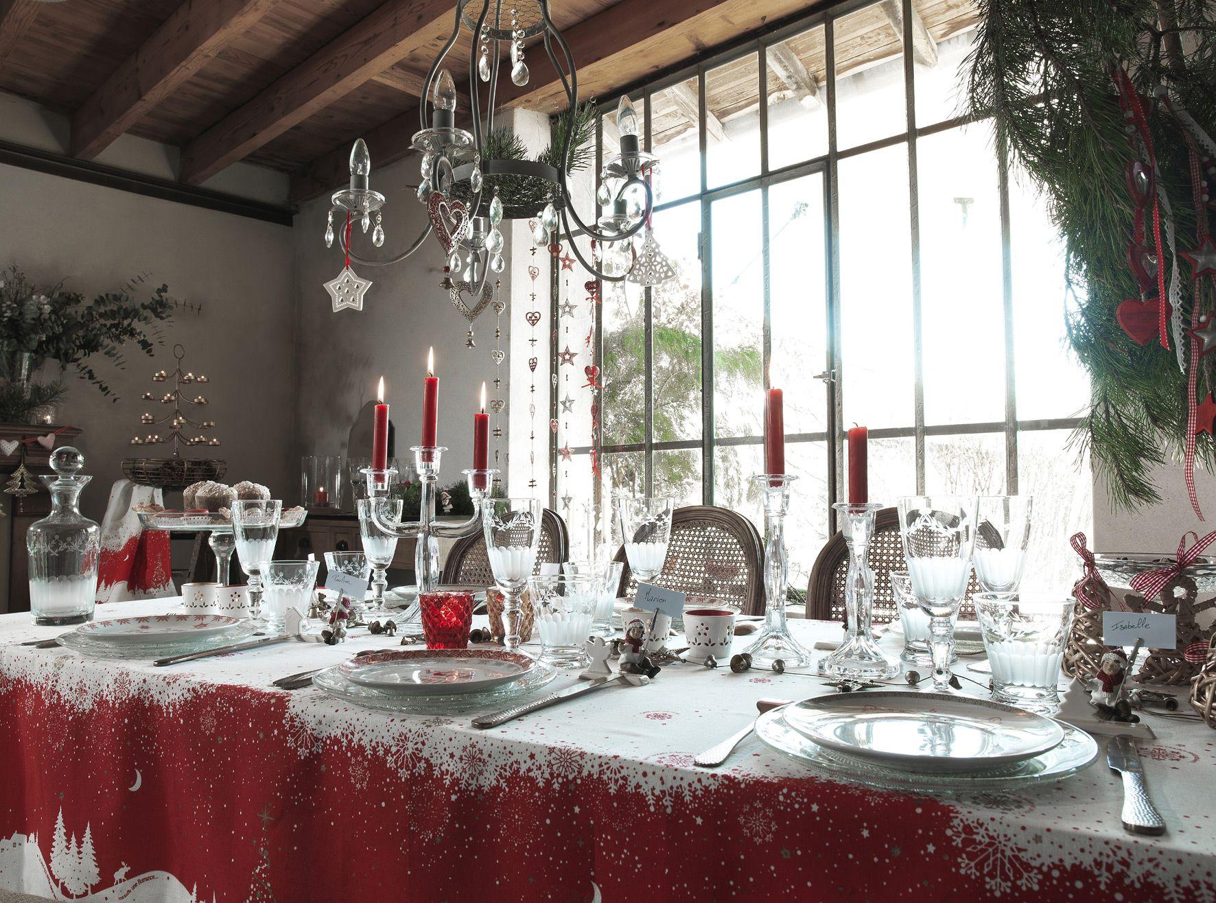 Nappe Cette nuit une toile pour un Nol tout en rouge et blanc http:/.  TransparentGardensLighted CenterpiecesChristmas Table ...