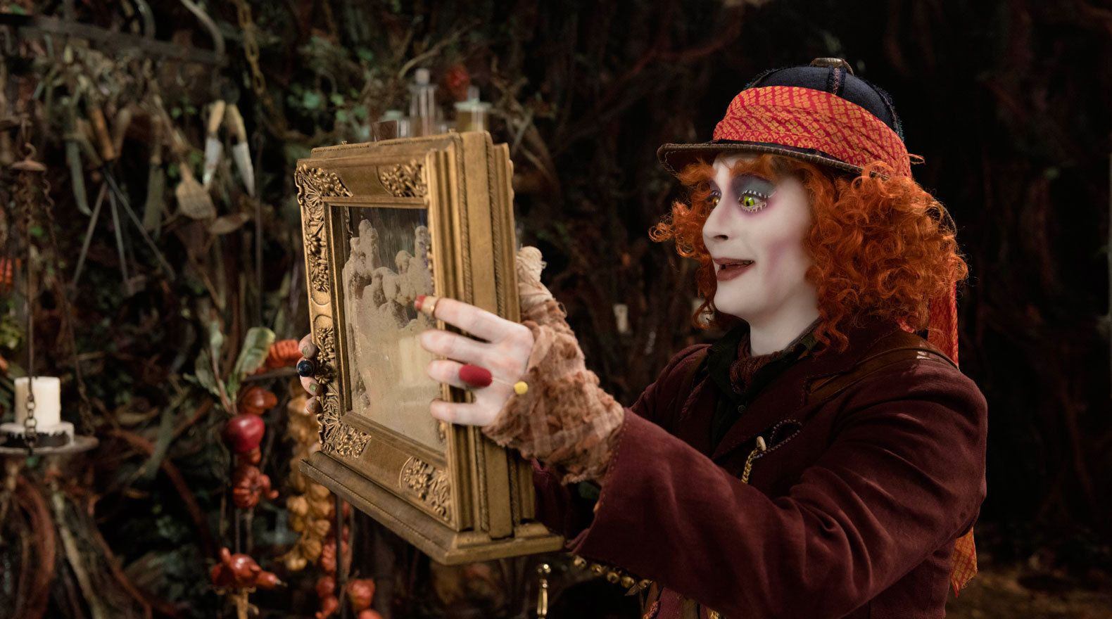 Mad Hatters Ant Farm (Through the looking glass). Wonderland