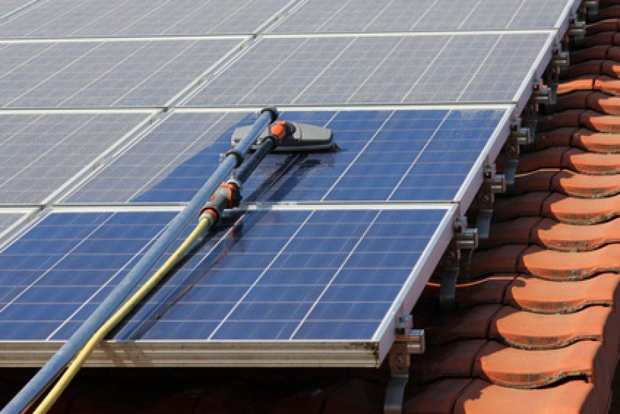 Comment nettoyer des panneaux solaires ? Homesteads