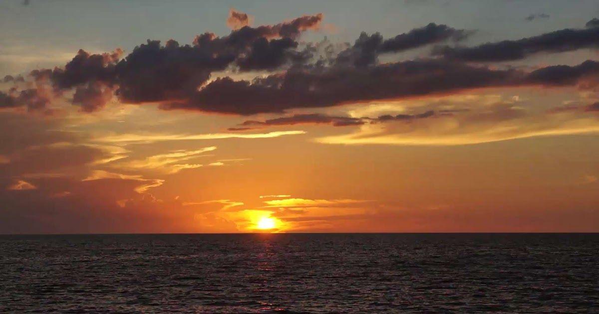 10 Bergerak Foto Pemandangan Indah Free Sunset Time Lapse Stock Video Footage Download Wallpaper Pemandangan Bawah Laut Berge Di 2020 Pemandangan Air Terjun Resor