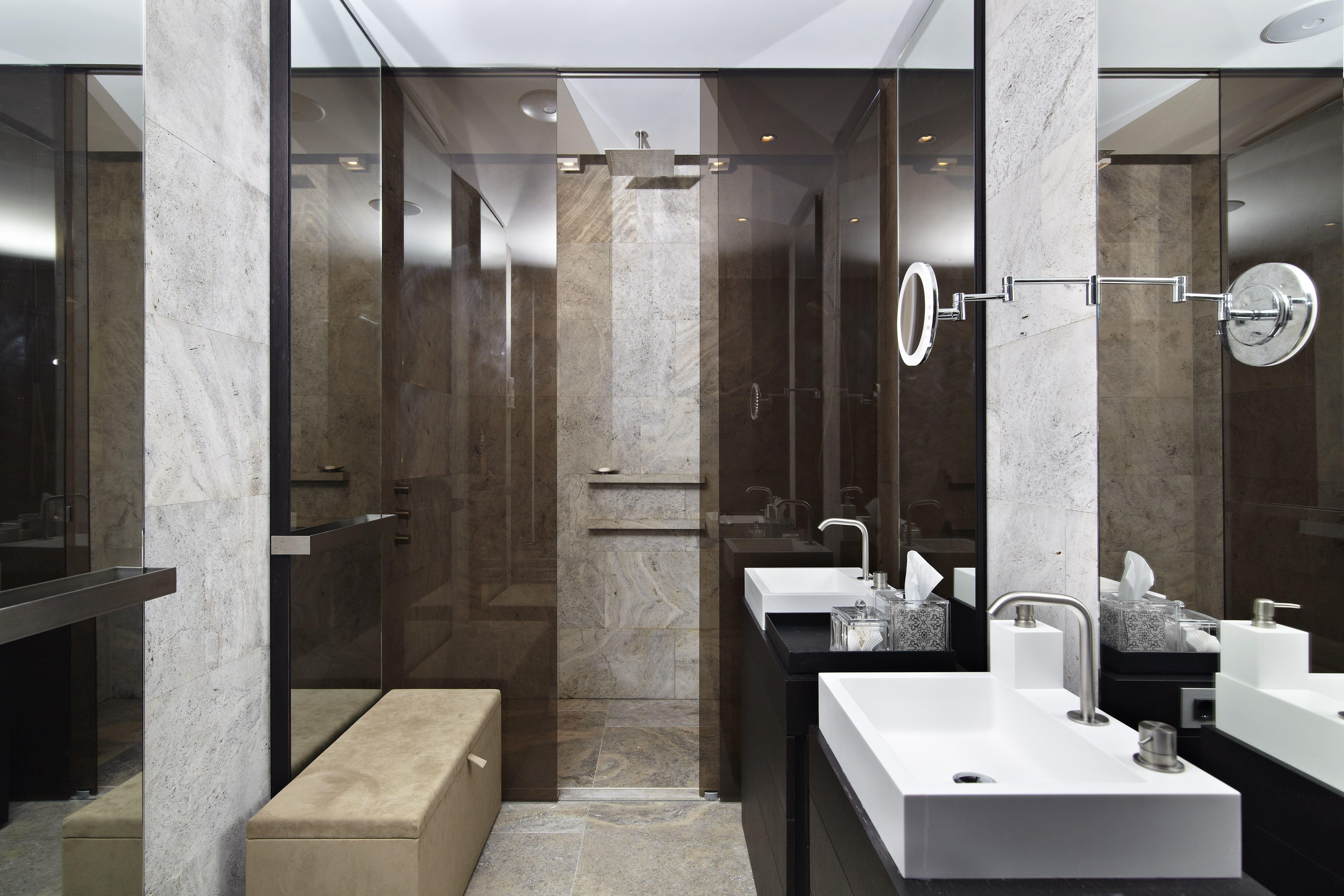 Penthouse #Amsterdam #badkamer #meubel #spiegel #Hi-macs #S28 ...
