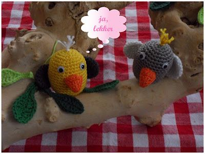't haakdraadje: Amigurumi, the blog is in DUtch but the pattern is written in English, nice story in the photo's