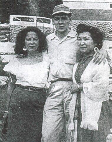 Che Guevara 1955 Taluca Mexico At The Right His Future Wife Hilda