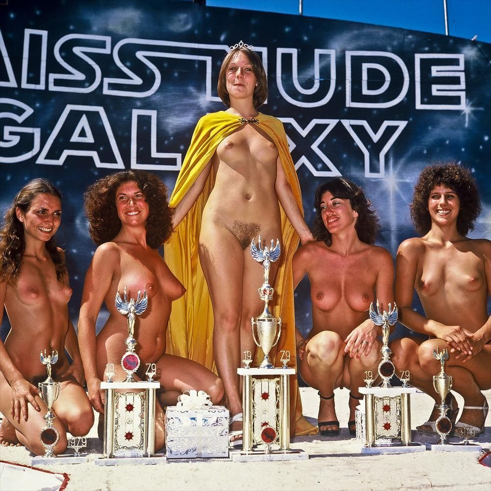 Miss california topless nue