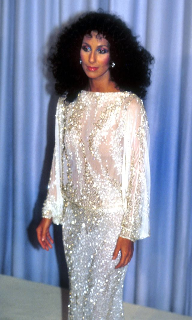 Cher-Oscars-1983-Barry-King-WireImage-Getty-Images.jpg (640×1065)