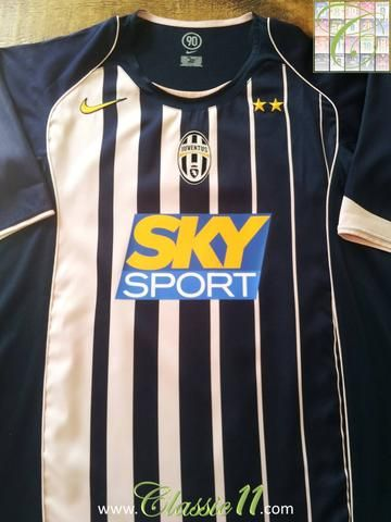 a2f6575ee6fa7 Relive Juventus  2004 2005 season with this original Nike 3rd kit football  shirt.