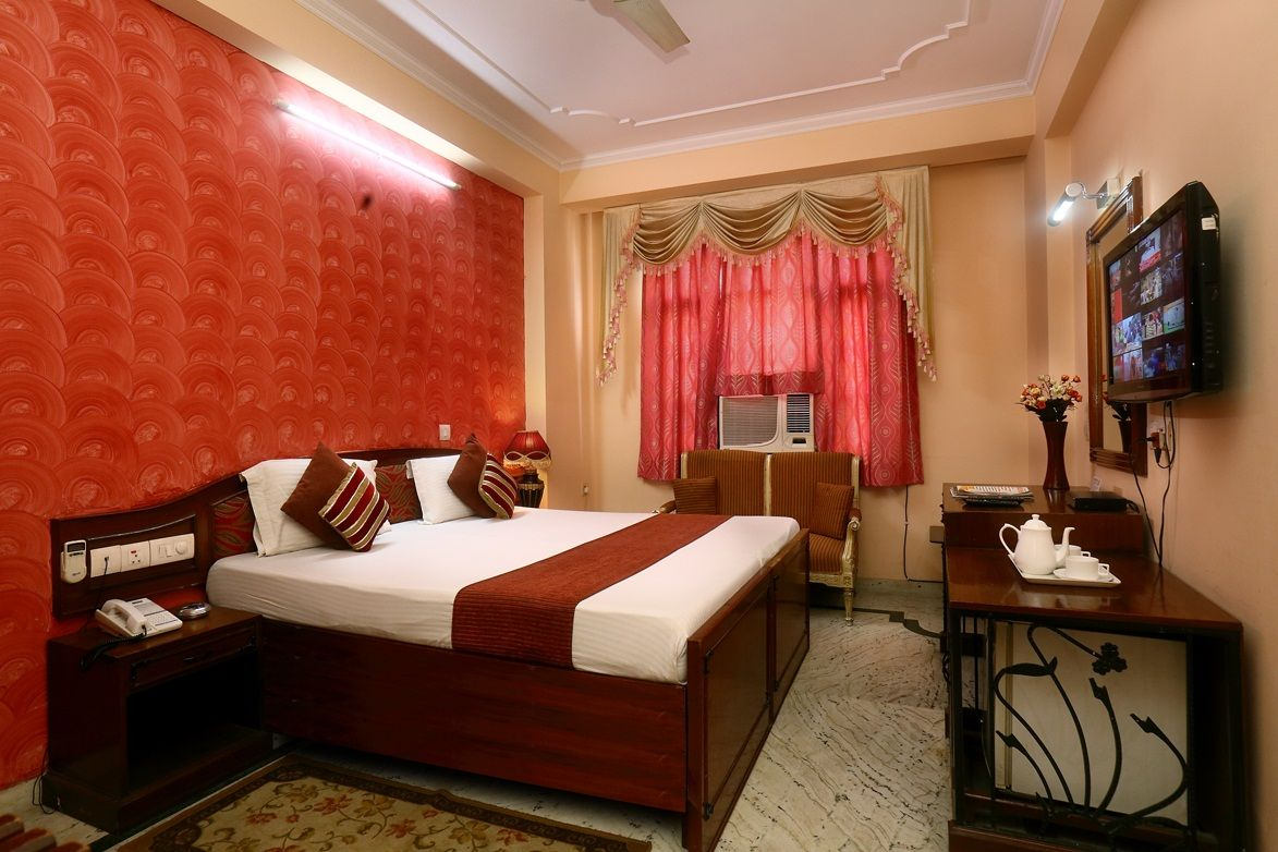 Budget Hotels In Karol Bagh Delhi Hotel Budget Hotel Welcome Decor