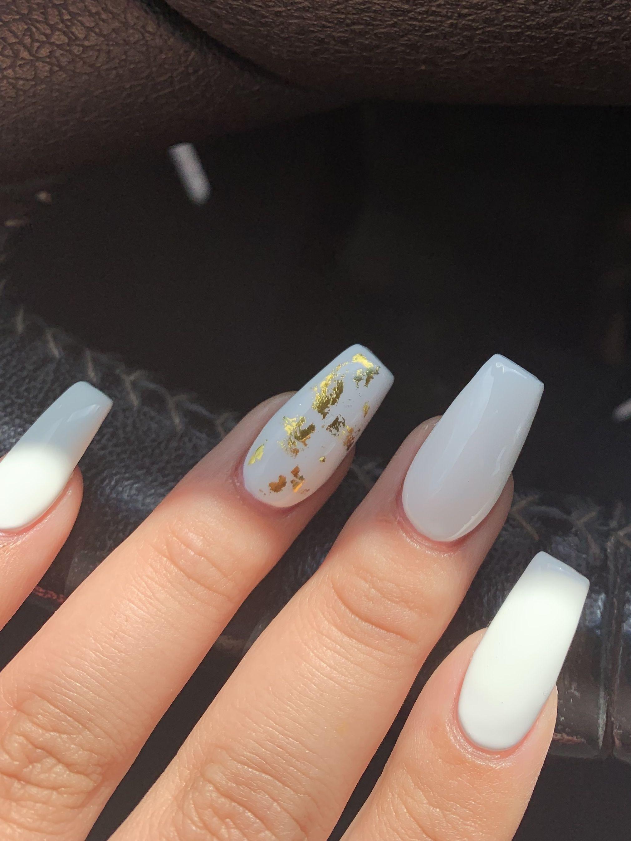Basic White Nails White Nails With Gold Gold Acrylic Nails White Acrylic Nails