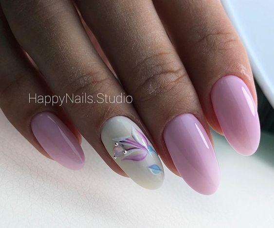 Wiosenne Paznokcie W Kwiaty Postawicie Na Najwieksze Trendy Tego Sezonu Strona 4 Z 14 Floral Nails Pink Nails Nail Art Designs