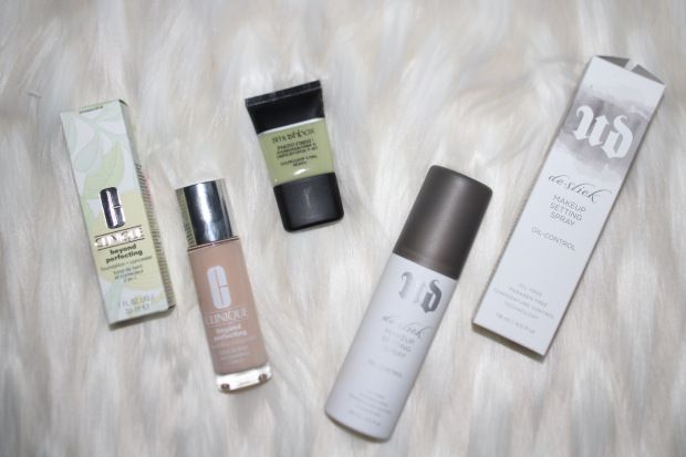 For years I've struggled with makeup lasting all day instead of a few hours before getting oily and blotchy. I've learned a few tricks along the way that I'll share with you below!