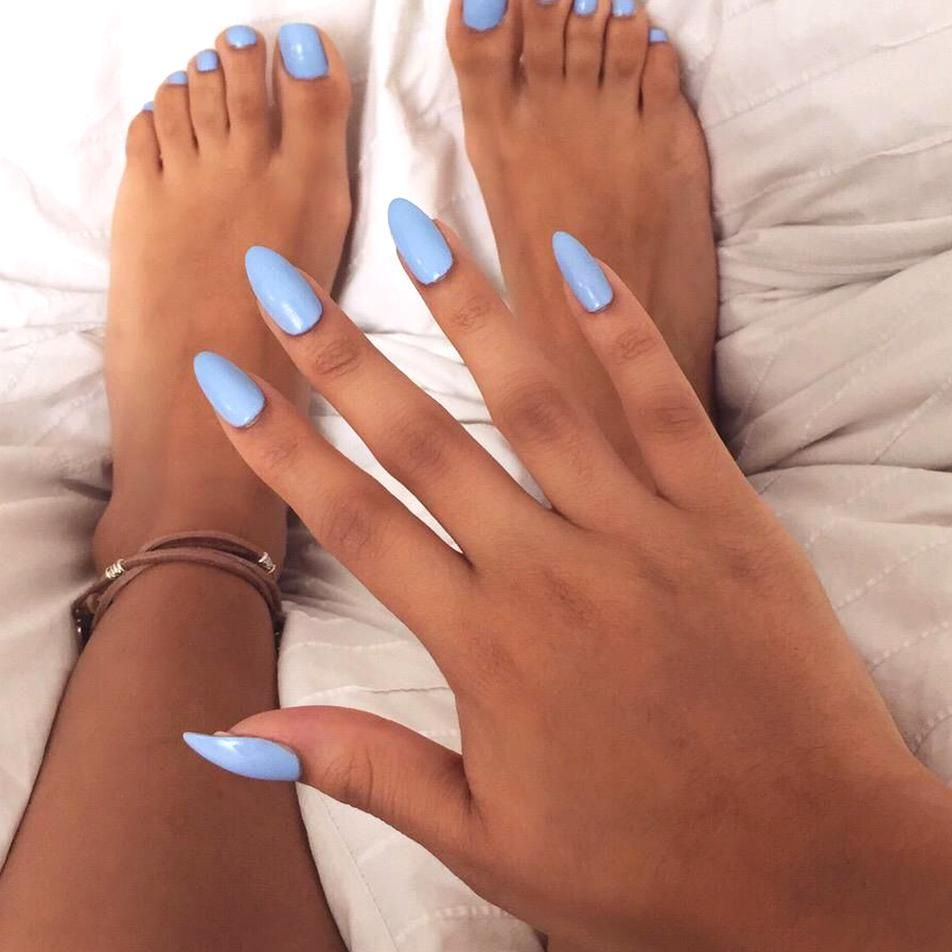 Cute And Simple Periwinkle Oval Nails In 2020 Blue Toe Nails Oval Nails Almond Acrylic Nails Designs