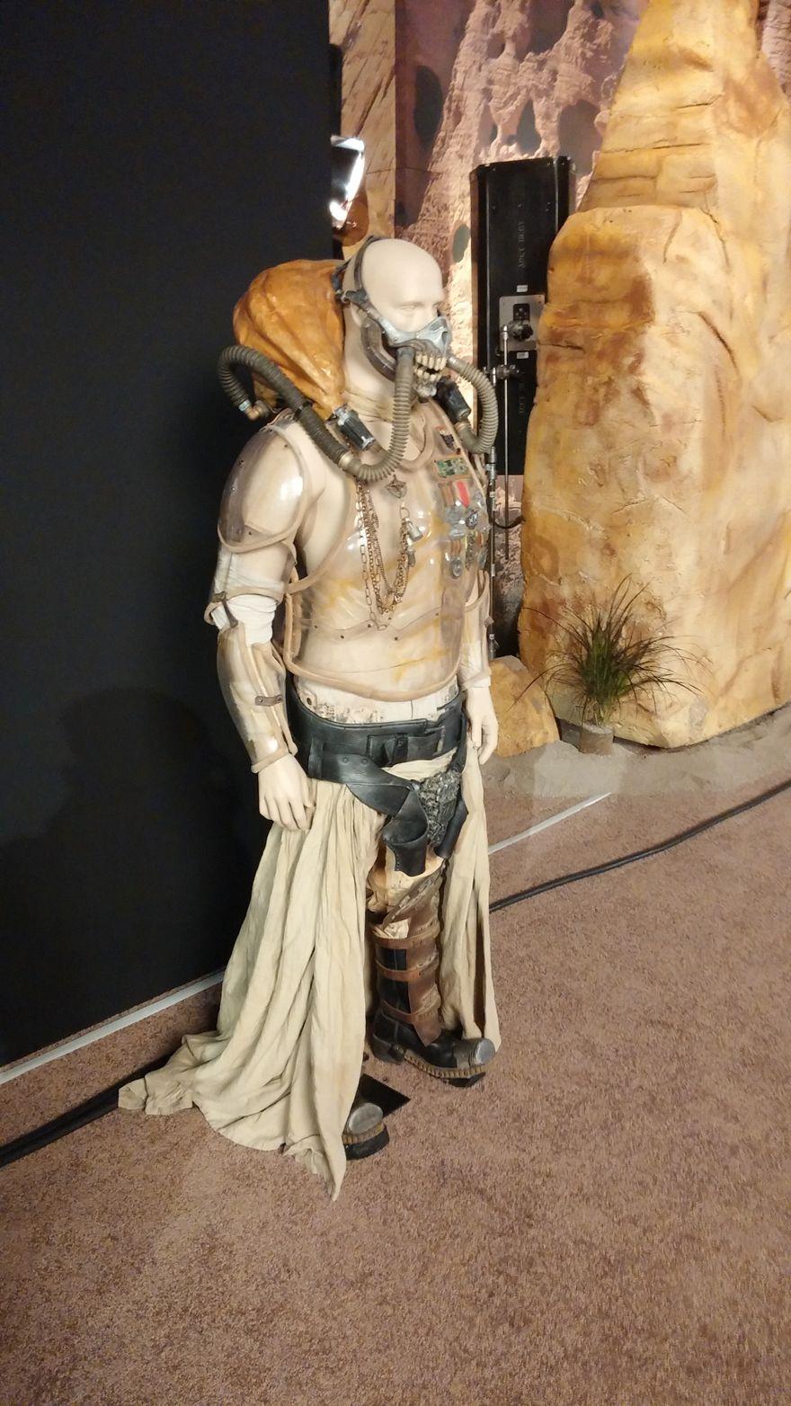 Detail shots of Immortan Joe's armor. (x)