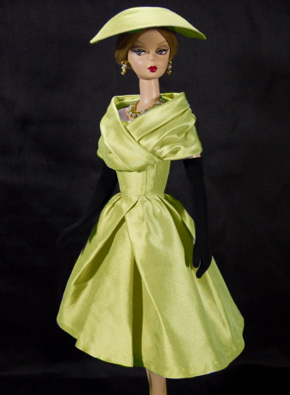 Dress On Demand Ooak Outfit Fits To Vintage Silkstone Barbie By D B Ebay In 2020 Diy Barbie Clothes Barbie Vintage Dolls