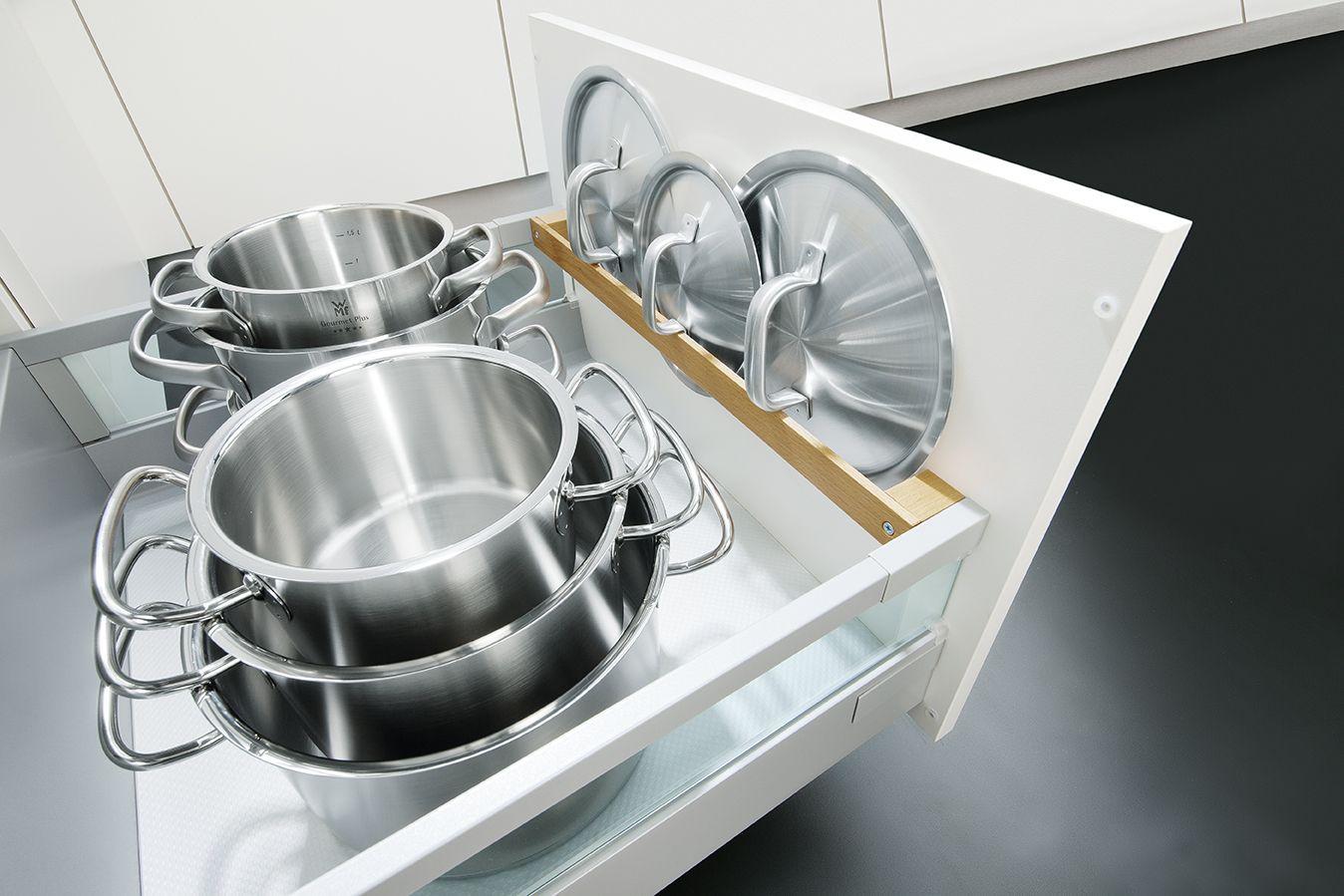 Clever kitchen storage ideas. schuller pan lid storage. keuken