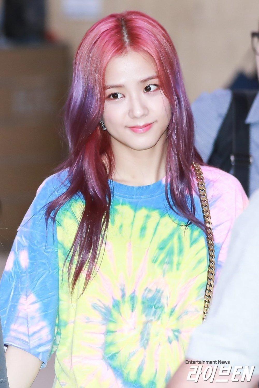 Blackpink Jisoo S New Hairstyle Is Freakin Awesome Koreaboo Hair Styles Blackpink Jisoo Blackpink