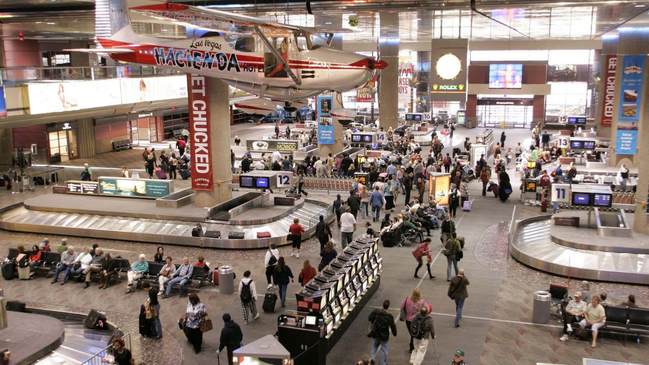 Las Vegas McCarran International Airport resumes flights