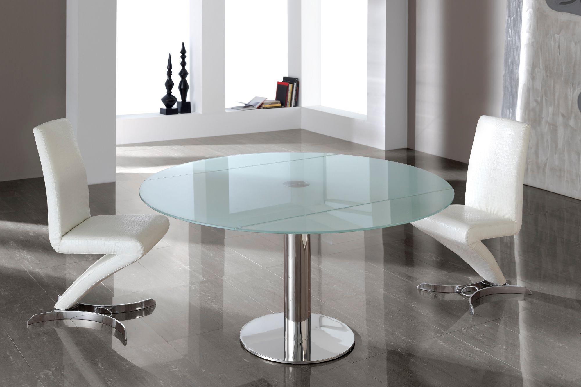 White lacquer dining table round - Modern Extendible White Glass Dining Table This Round Dining Table Is Finished With A Tempered