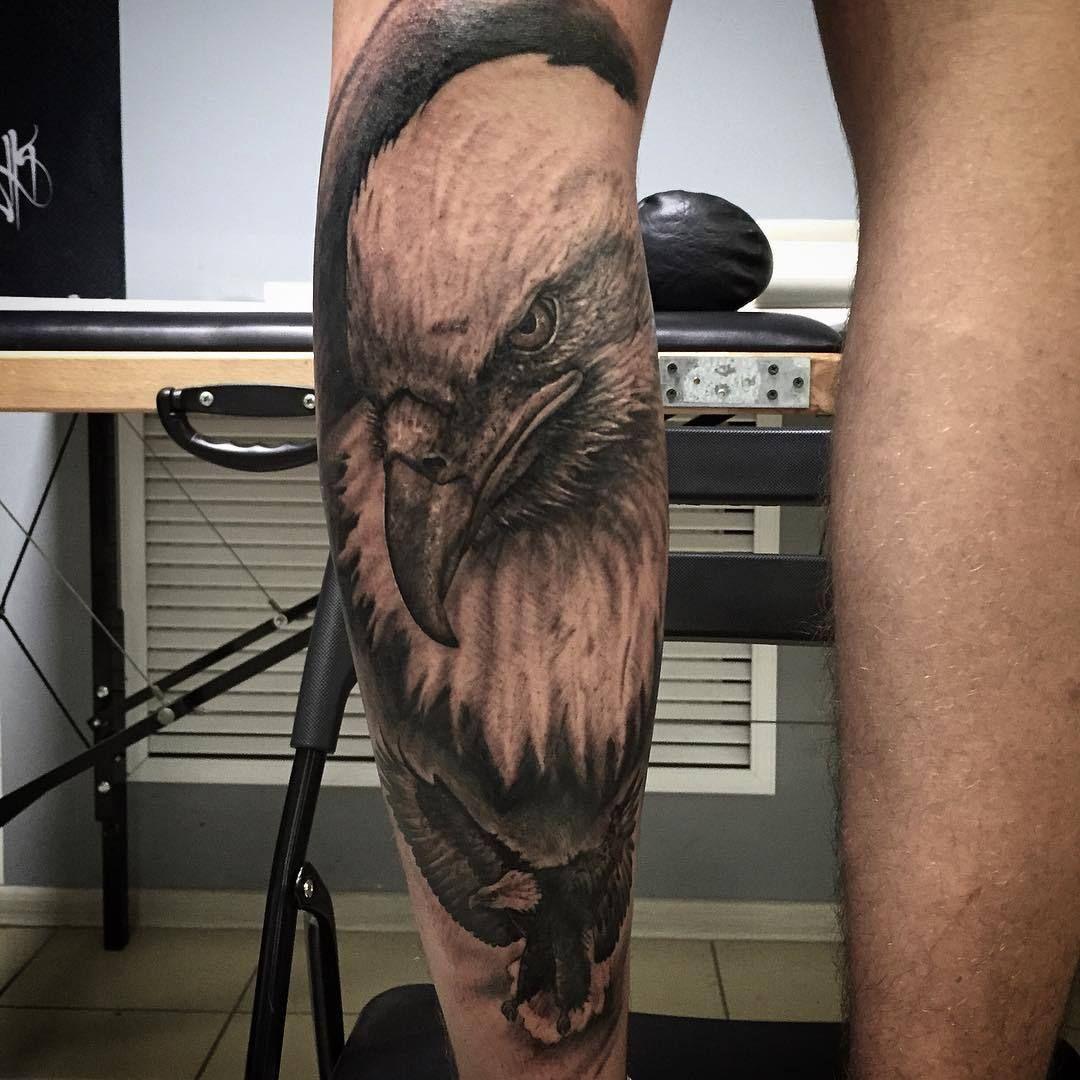Aguila En La Espalda angry eagle tattoo on arm | tatuajes aguilas, tatuajes