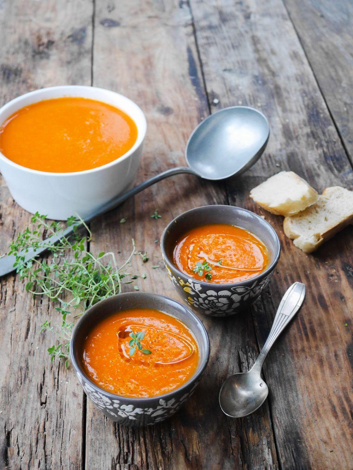Soupe de poivrons rôtis | Recette | Soupe de poivron rouge, Soupe poivron, Recette poivrons rouge